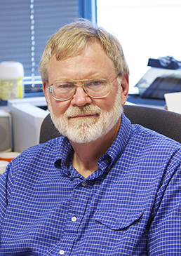 Steven Lindow in his lab.
