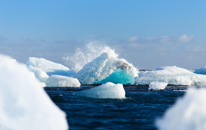 Melting ice bergs