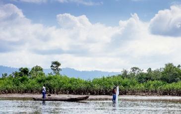 Fishermen in columbia