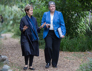 Alice Waters and UC President Janet Napolitano in the Edible Schoolyard.